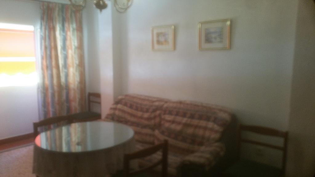 Piso en alquiler en calle Pastillo, Barrio de Viaplana en Huelva - 318481554