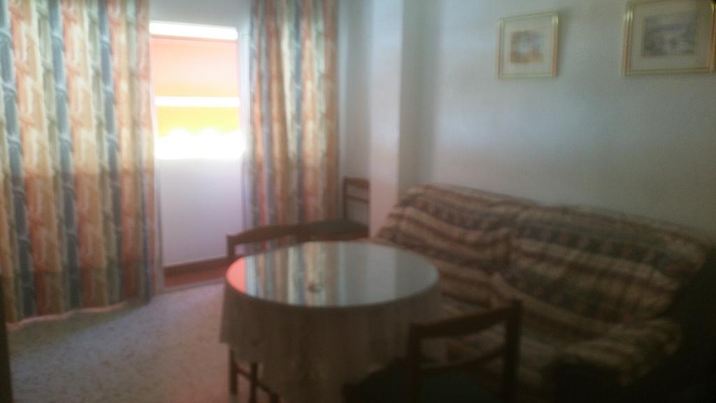 Piso en alquiler en calle Pastillo, Barrio de Viaplana en Huelva - 318481557