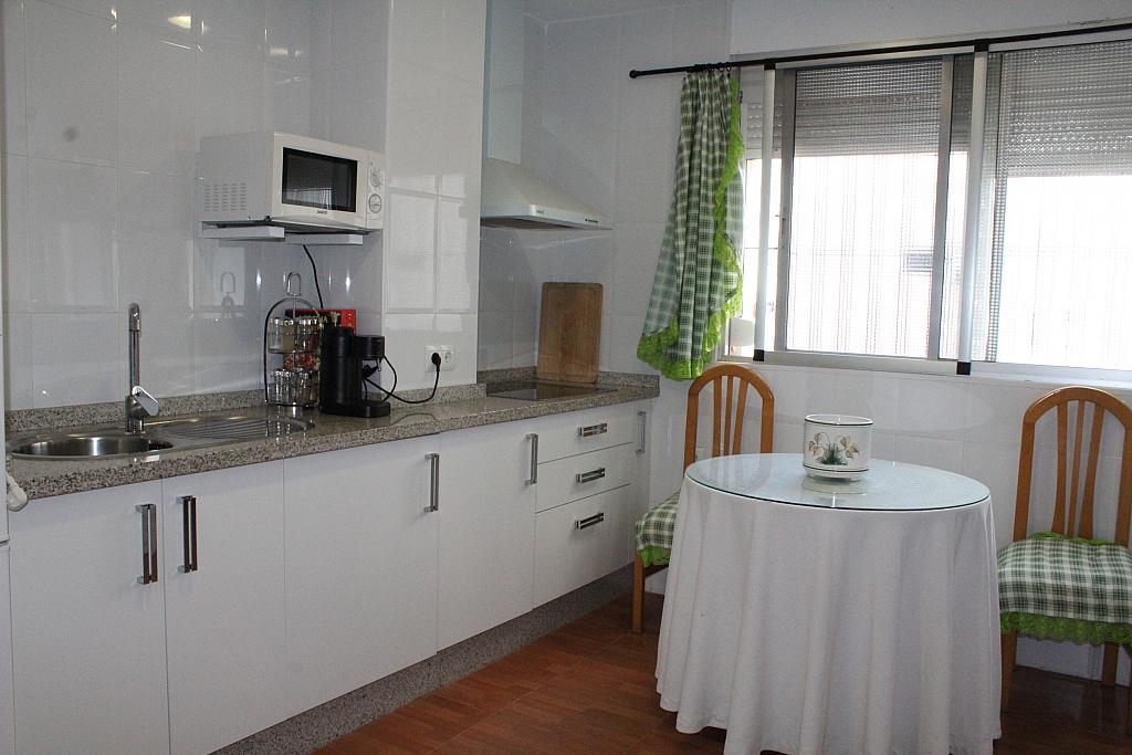 Piso en alquiler en calle Alonso de Palos, Barrio de Viaplana en Huelva - 324828345