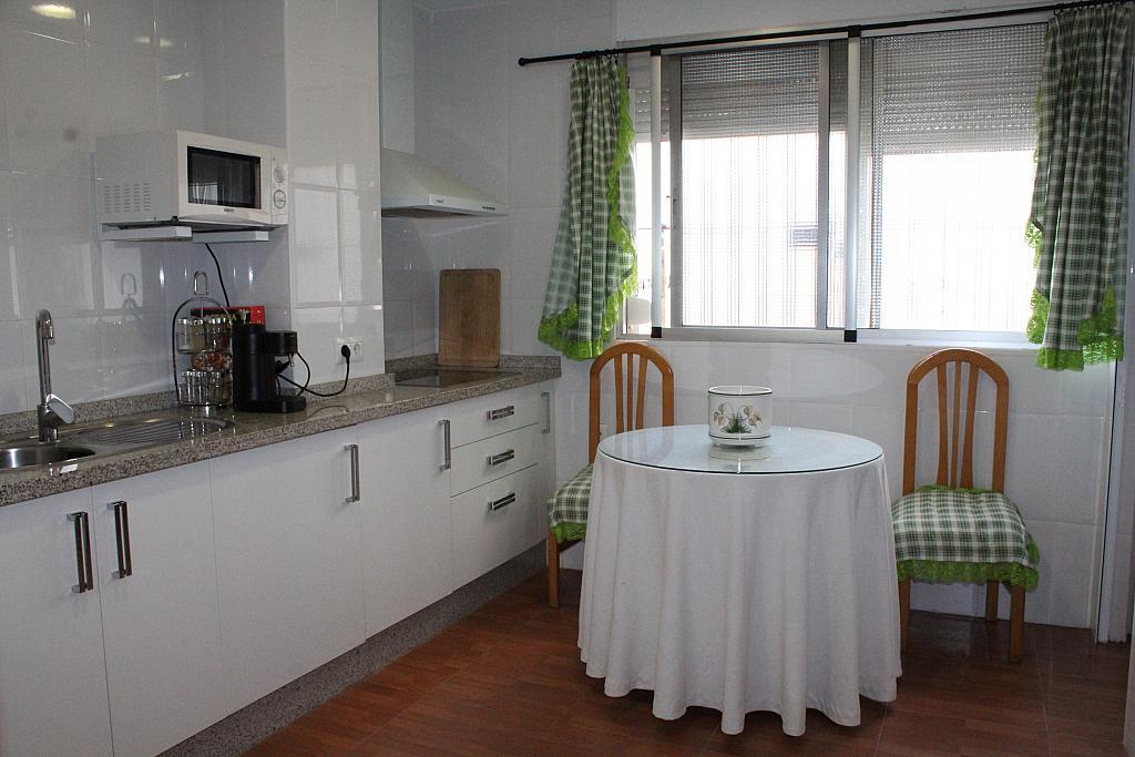 Piso en alquiler en calle Alonso de Palos, Barrio de Viaplana en Huelva - 324828346