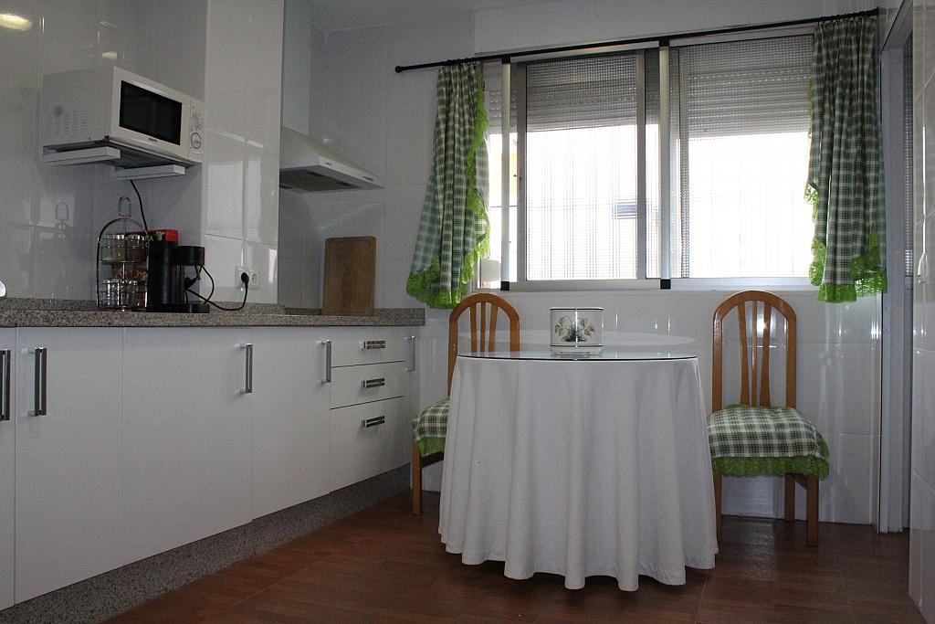 Piso en alquiler en calle Alonso de Palos, Barrio de Viaplana en Huelva - 324828347