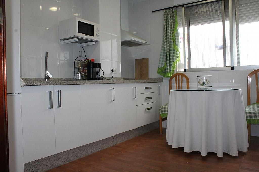 Piso en alquiler en calle Alonso de Palos, Barrio de Viaplana en Huelva - 324828350