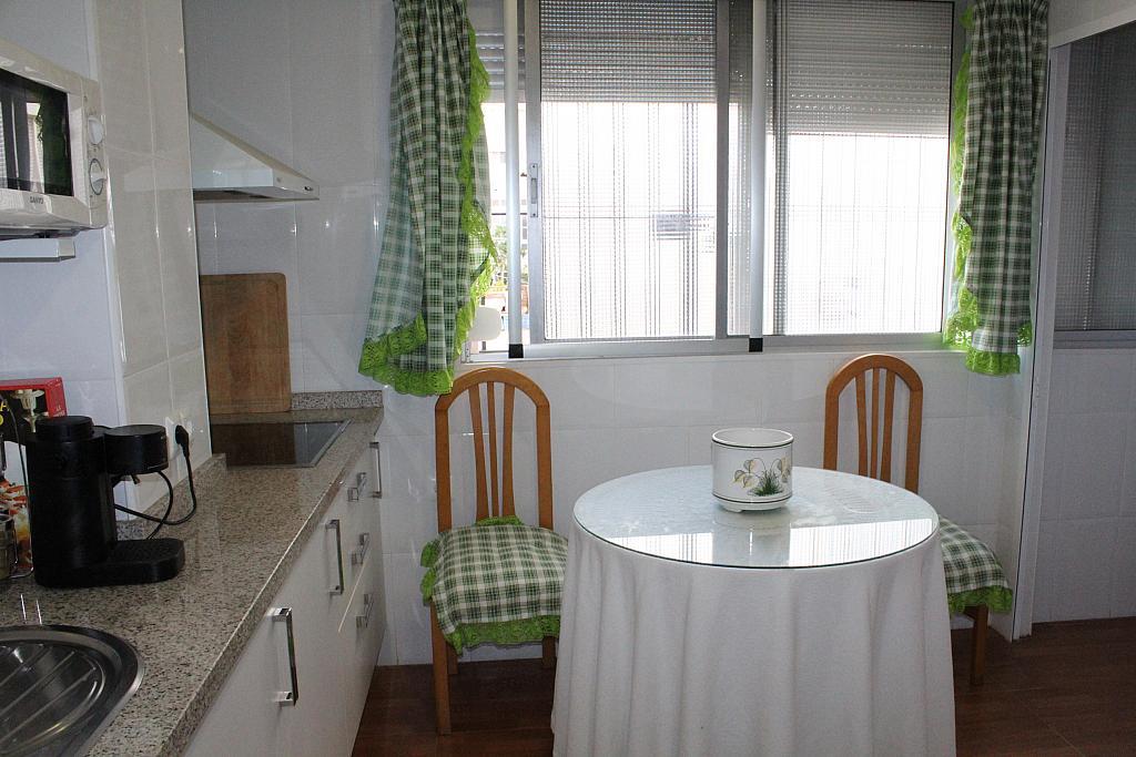 Piso en alquiler en calle Alonso de Palos, Barrio de Viaplana en Huelva - 324828378