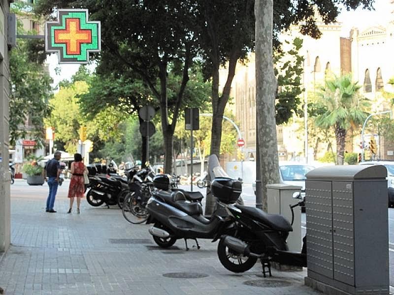 Foto - Local comercial en alquiler en calle Fort Pienc, Fort Pienc en Barcelona - 305380708