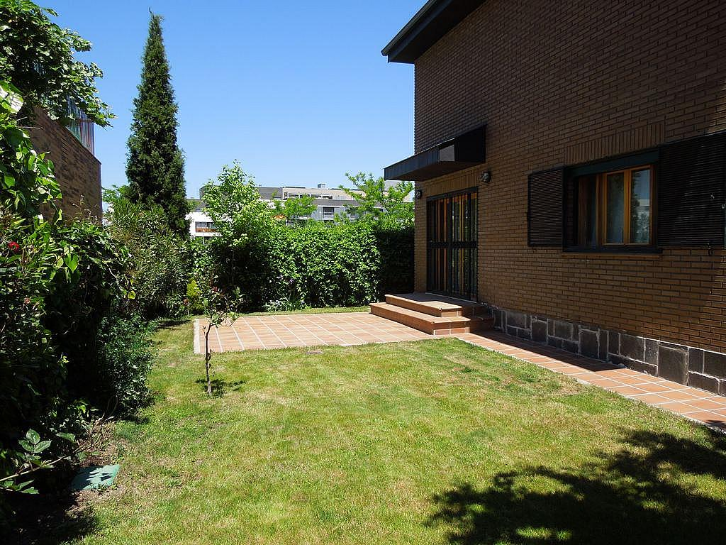 Chalet en alquiler en Valdebebas - Valdefuentes en Madrid - 280698351
