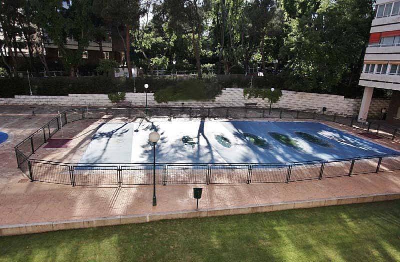 Piso en alquiler en Piovera-Conde Orgaz en Madrid - 322579807