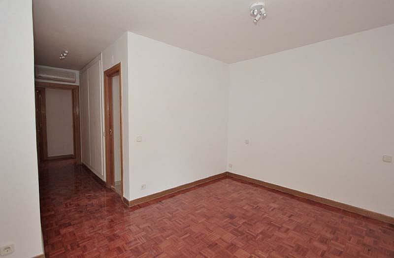 Piso en alquiler en Piovera-Conde Orgaz en Madrid - 322579833