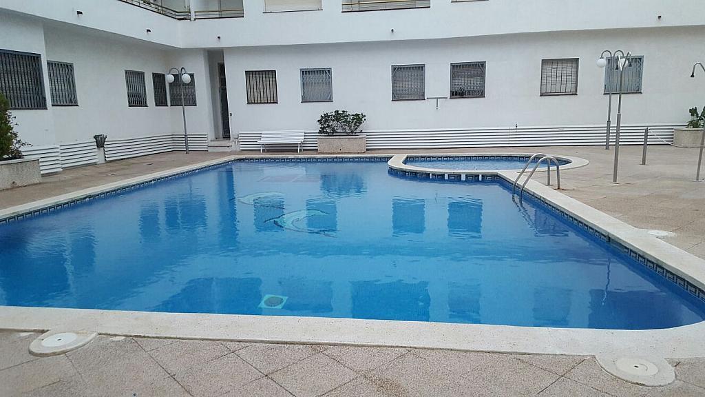 Piso en alquiler en calle Narcis Monturiol, Pineda de Mar - 335738854