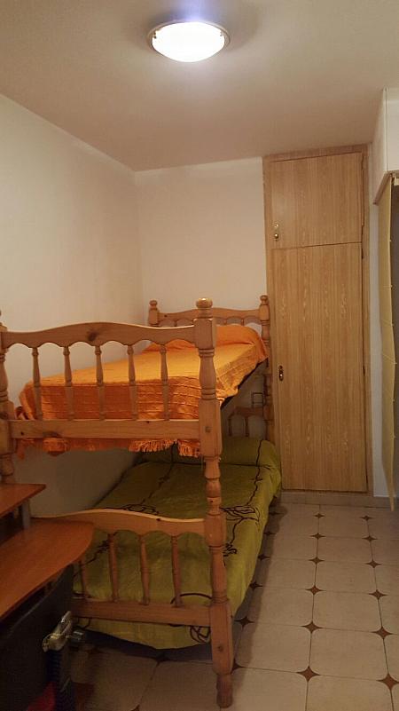 Piso en alquiler en calle Narcis Monturiol, Pineda de Mar - 335738860