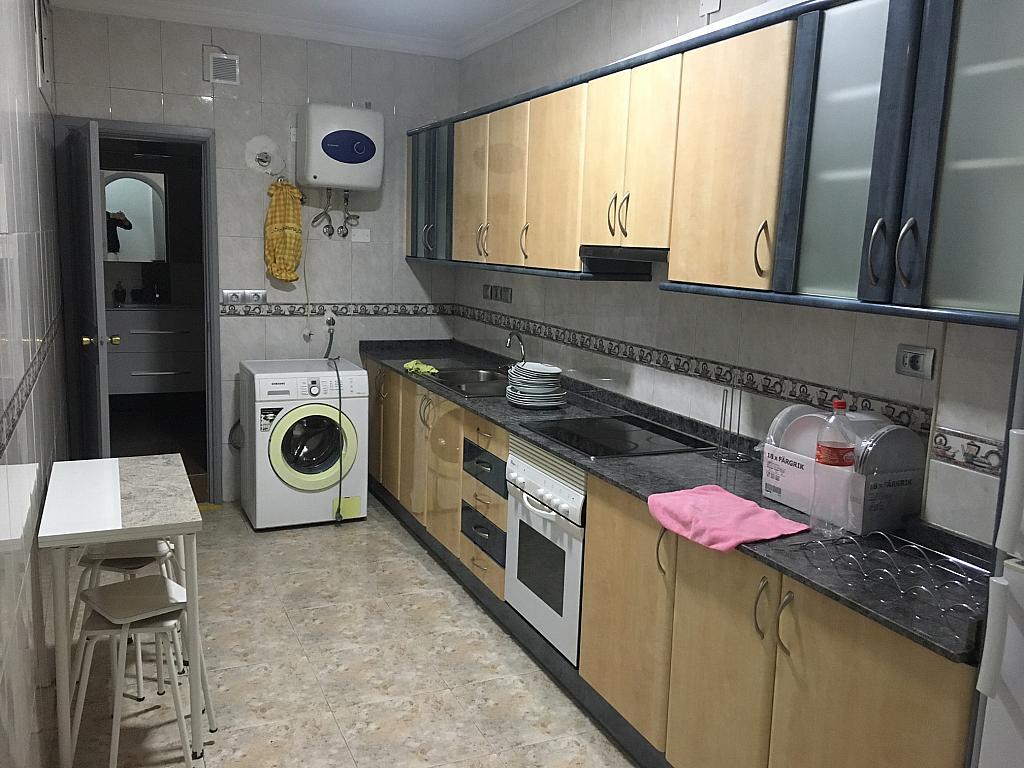 Piso en alquiler en calle General Vives, Santa Catalina - Canteras en Palmas de Gran Canaria(Las) - 325868500