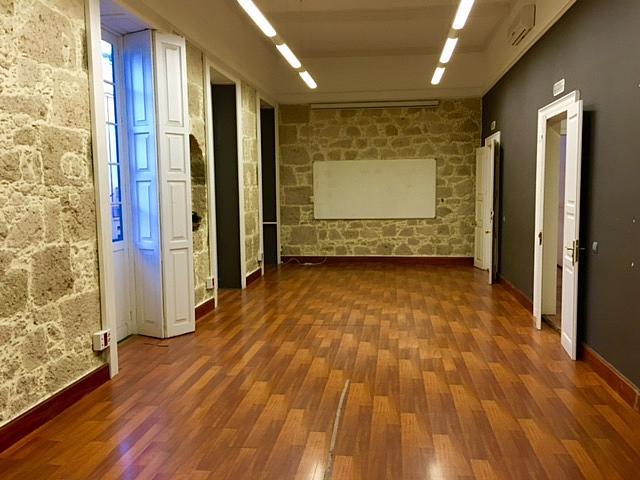 Oficina en alquiler en calle Perojo, Vegueta en Palmas de Gran Canaria(Las) - 240400553