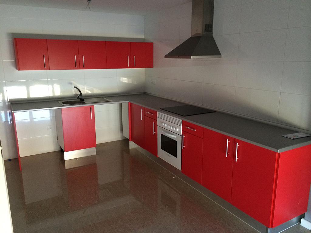 Chalet en alquiler en calle Martires, Álamo (El) - 304354299