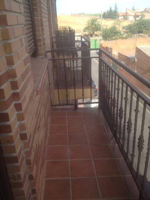Piso en alquiler en calle Martires, Casarrubios del Monte - 331318930