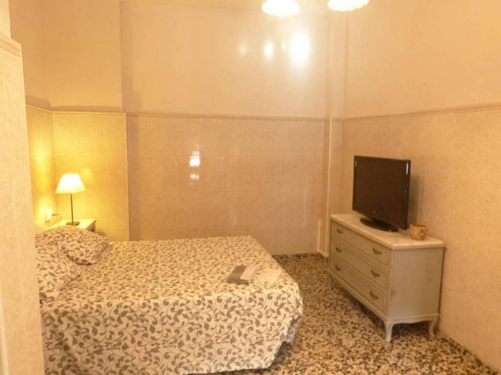 Casa en alquiler de temporada en calle Eugenia Viñes, El Cabanyal- El Canyamelar en Valencia - 330091704