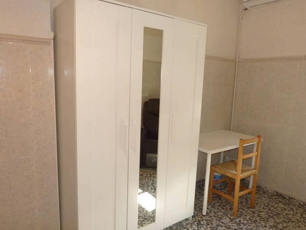 Casa en alquiler de temporada en calle Eugenia Viñes, El Cabanyal- El Canyamelar en Valencia - 330091710