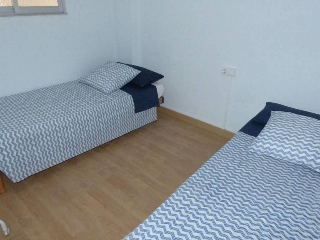 Casa en alquiler de temporada en calle Eugenia Viñes, El Cabanyal- El Canyamelar en Valencia - 330091716