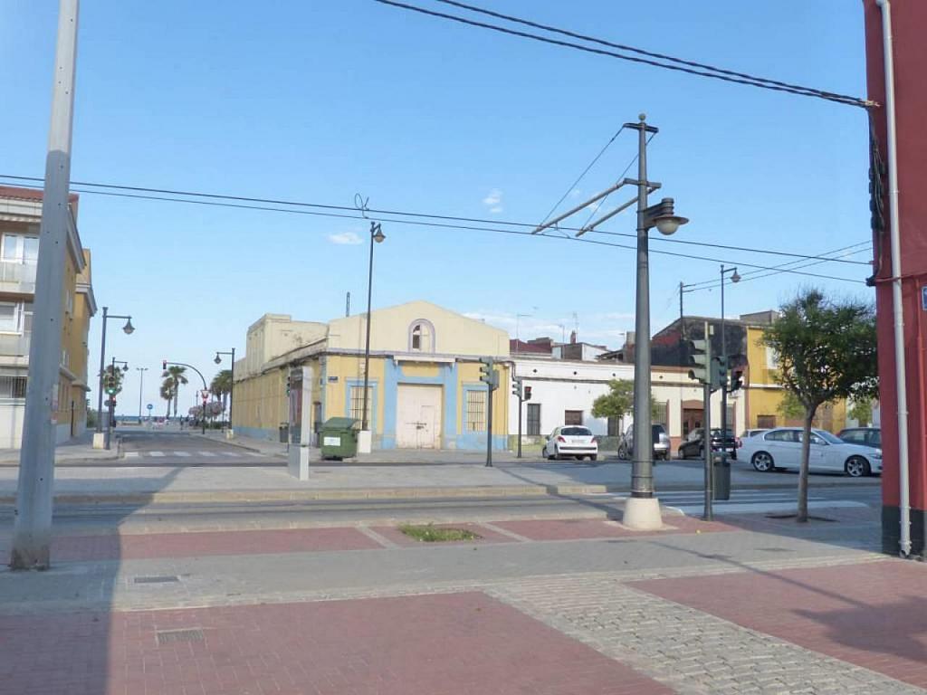 Casa en alquiler de temporada en calle Eugenia Viñes, El Cabanyal- El Canyamelar en Valencia - 330091743
