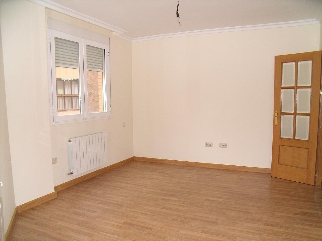 Apartamento en venta en calle Cuchilleros, Cubas-Industria en Albacete - 252371303