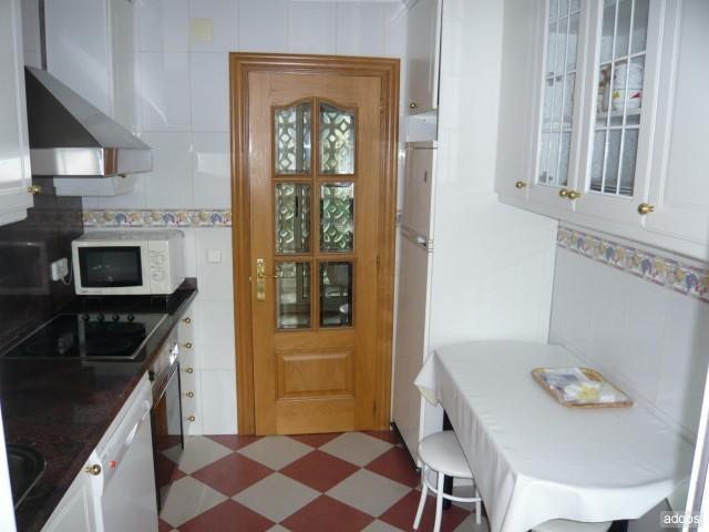 Piso en alquiler en calle Sardinero, El Sardinero en Santander - 53130842