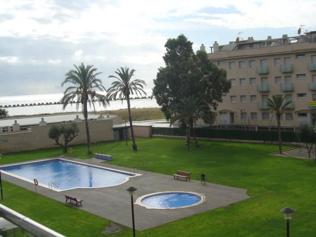 Apartamento en venta en calle Riu Ter, Cubelles - 14817385
