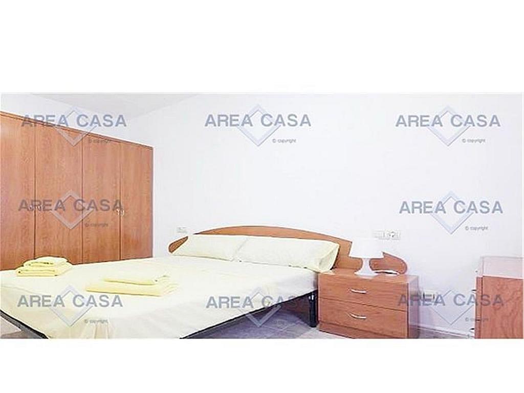Piso en alquiler en La Barceloneta en Barcelona - 328995551
