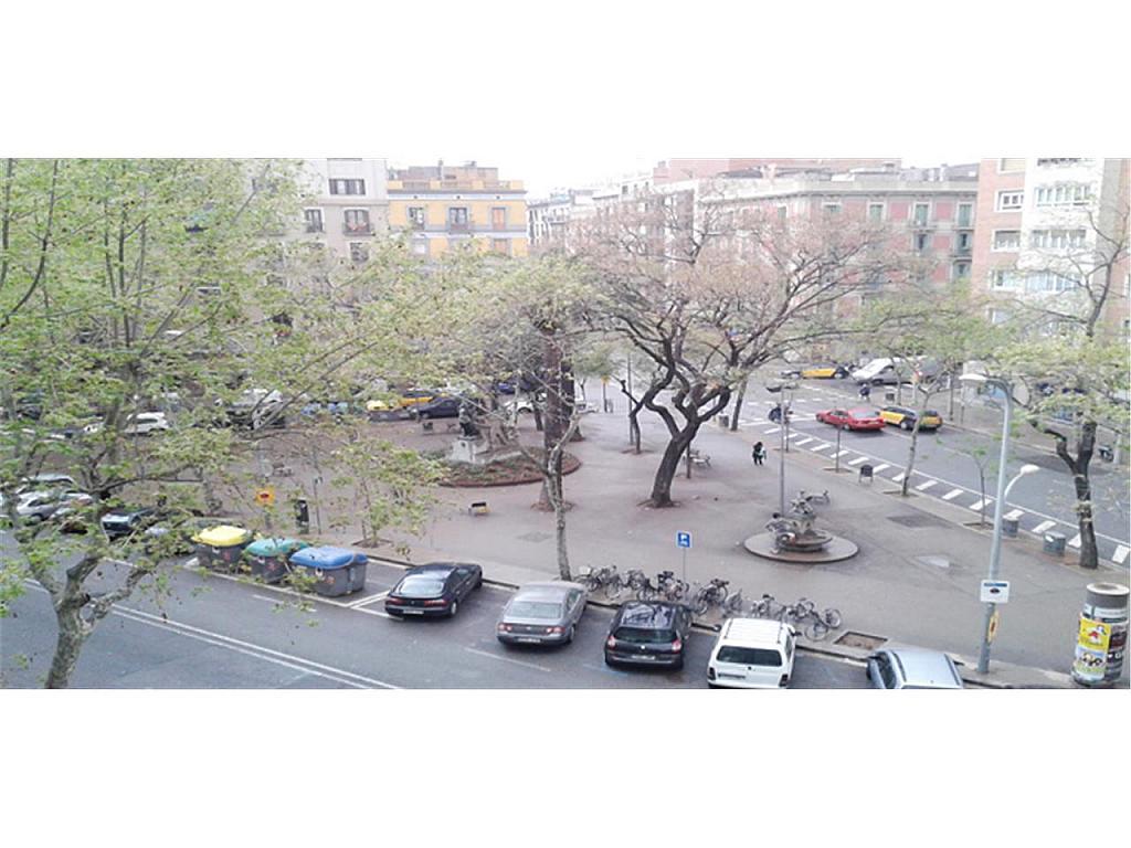 Piso en alquiler en Eixample en Barcelona - 323808025