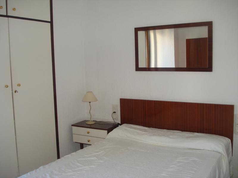 Dormitorio - Piso en alquiler en paseo De Almeria, Centro Historico en Almería - 65301260