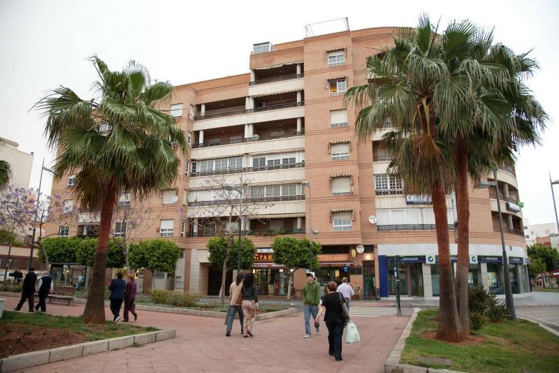 Local comercial en alquiler en calle Federico Garcia Lorca, Regiones en Almería - 64697476