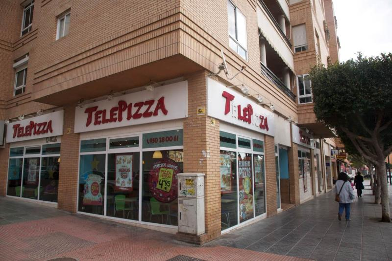 Local comercial en alquiler en calle Federico Garcia Lorca, Regiones en Almería - 64697479