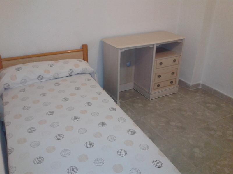 Piso en alquiler en calle Jaul, Zapillo en Almería - 118020660