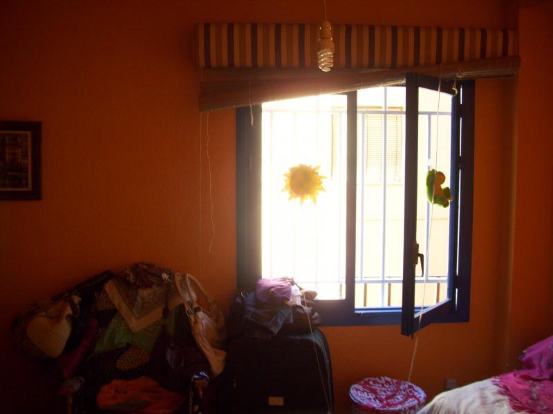 Piso en alquiler en calle Regocijos, Pescaderia-La Almedina en Almería - 74952072