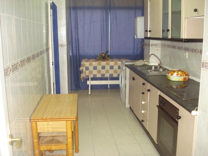 Cocina - Piso en alquiler en calle Granada, Cruz de Caravaca en Almería - 112023869