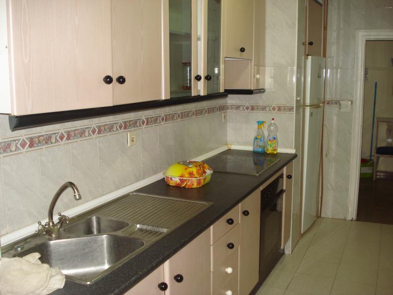 Cocina - Piso en alquiler en calle Granada, Cruz de Caravaca en Almería - 112023888