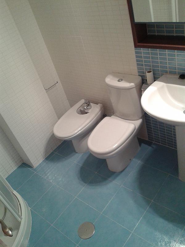 Baño - Apartamento en alquiler en calle Nuestra Señora de Montserrat, Pescaderia-La Almedina en Almería - 145780026