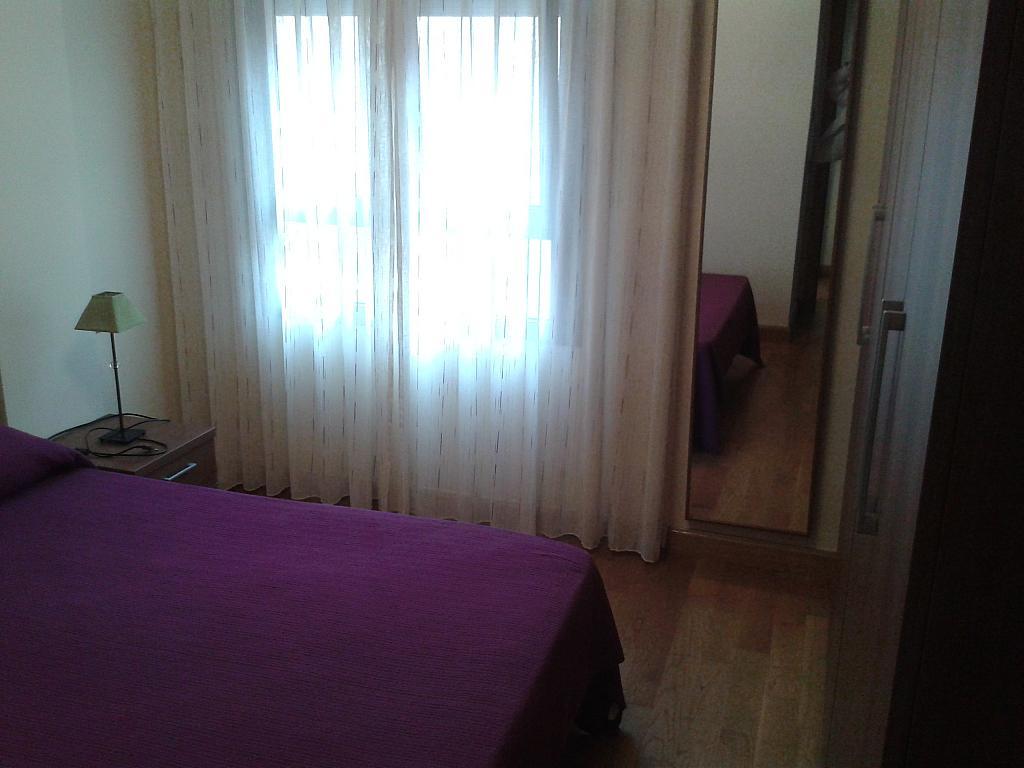 Dormitorio - Apartamento en alquiler en calle Nuestra Señora de Montserrat, Pescaderia-La Almedina en Almería - 145780038