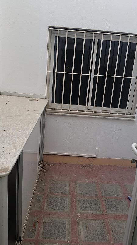 Patio - Piso en alquiler en calle Castelar, Centro Historico en Almería - 207809289