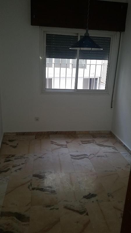 Dormitorio - Piso en alquiler en calle Castelar, Centro Historico en Almería - 207809292