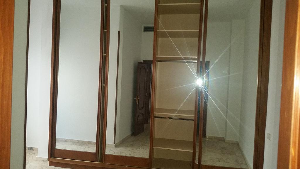Dormitorio - Piso en alquiler en calle Castelar, Centro Historico en Almería - 207809367