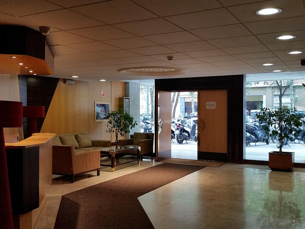 Oficina en alquiler en calle Josep Tarradellas, Eixample esquerra en Barcelona - 330444832