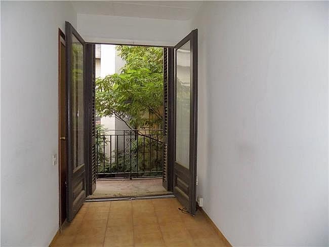 Local comercial en alquiler en Manresa - 328183491