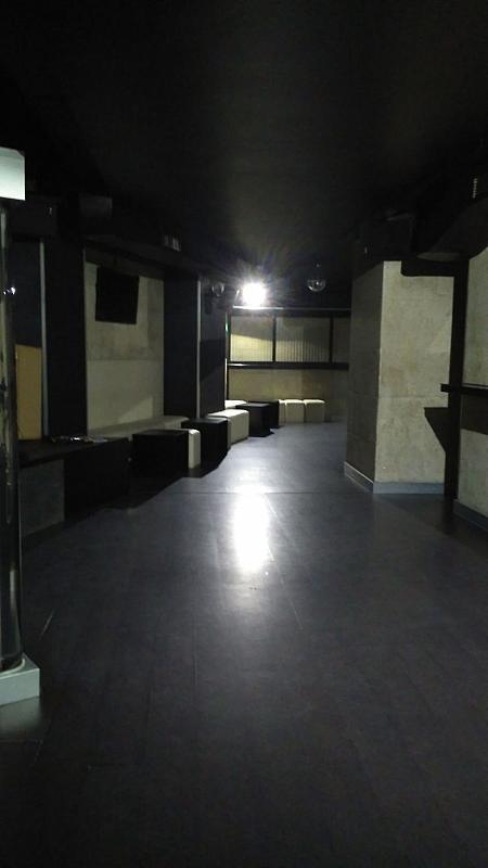 Local comercial en alquiler en calle Inés Pérez de Ceta, Areal-Zona Centro en Vigo - 359437004