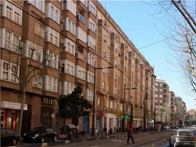 Local comercial en alquiler en calle Fray Pedro Vives, Marxalenes en Valencia - 137380312