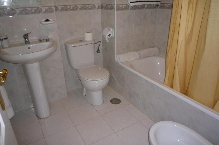 Baño - Apartamento en alquiler en calle A, Torrox-Costa en Torrox - 95709628