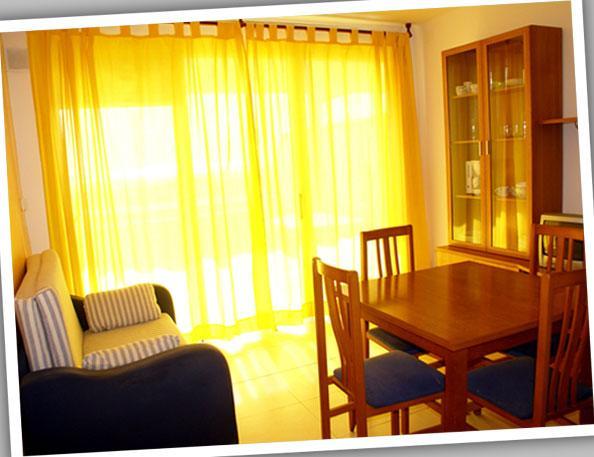Comedor - Apartamento en alquiler de temporada en calle Estrella de Mar, Playafels en Castelldefels - 66760205
