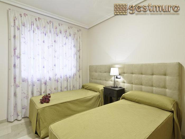 Dormitorio - Apartamento en alquiler en Manga del mar menor, la - 85786464