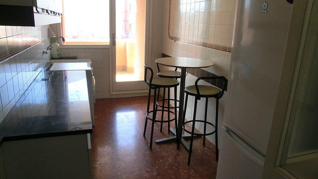 Piso en alquiler en calle Escolrial, La Salut en Barcelona - 326243805