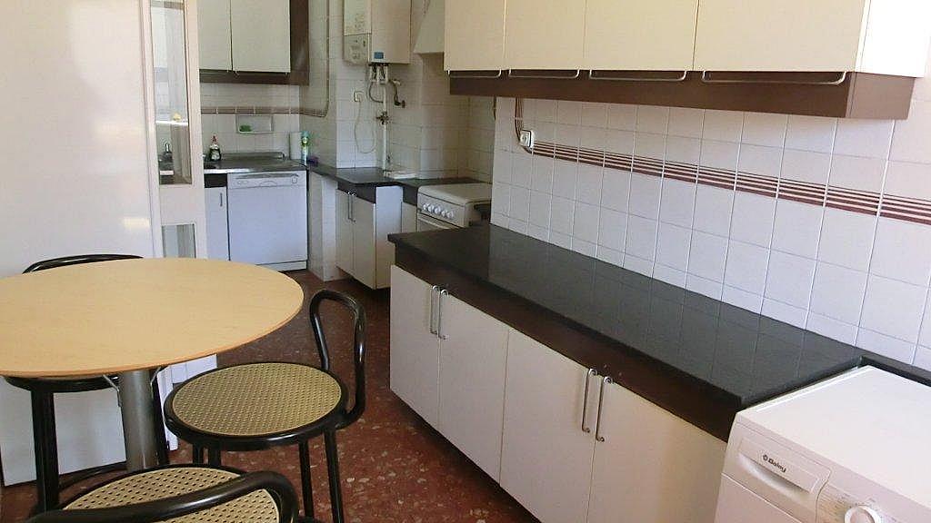 Piso en alquiler en calle Escolrial, La Salut en Barcelona - 326243808