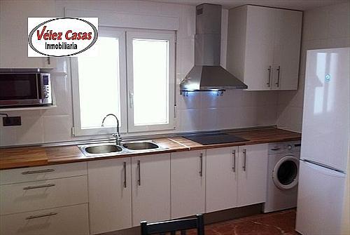 Ático en alquiler en calle Alminares, Genil en Granada - 322077675