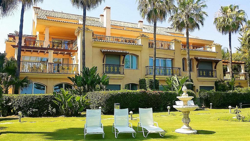 Piso en alquiler en calle Isabel de Farnesio, Milla de Oro en Marbella - 282795912