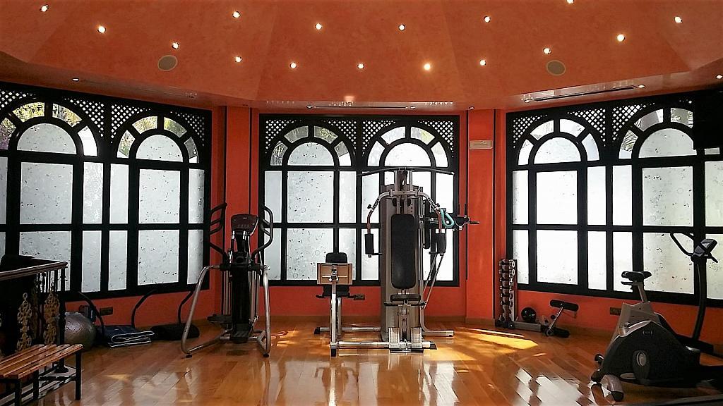 Piso en alquiler en calle Isabel de Farnesio, Milla de Oro en Marbella - 282795925